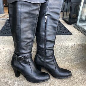 Fifth Avenue Shoe Repair støvler