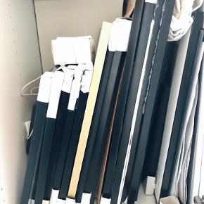 """En masse kvalitetsrammer til salg. Har været brugt til kunstudstilling. Som nye!! Kun få har brugsspor.  2 stk: """"Accent"""", aluminium, sort: 50x70cm (ny stand!) // Nypris: 224kr - Min pris: 150kr.   4 stk: """"Accent"""", aluminium, sort: 40x60cm (ny stand!) // Nypris: 198kr - Min pris: 150kr.   5 stk: """"Accent"""", aluminium, sort. No 54226: 40x40cm (ny stand!) // Nypris: 162kr - Min pris: 100kr.   2 stk: """"Accent"""", aluminium, sort: 40x50cm (uden glas) // Nypris: 154kr - Min pris: 50kr.   Sort: 40x50cm //BYD  Sort: 31,75x31,75cm //BYD  Sort: 31,75x31,75cm //BYD  Sort: 23x44cm //BYD  Sort: 23x44cm //BYD  Sort: 23x44cm //BYD  Sort: 12x17cm //BYD  Guld: 40x50cm //BYD  Guld: 12x17cm //BYD   Skriv, spørg, kom gerne forbi. Byd :-)"""