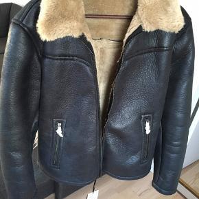 ▪️ZARA jakke ▪️Str. M ▪️Aldrig brugt ▪️Np 800kr