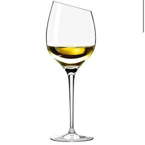 5 hvidvinsglas fra Eva Solo: mærke Sauvignon Blanc  Ingen skår. Fremstår som nye.  Afhentes i Valby.  Samlet pris 450 kr.