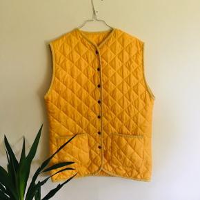🍋retro termovest i gul, med fløjls kant. ingen huller, pletter eller lign🍋