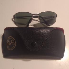 Ray-Ban 3269 solbriller i rigtig fin stand. Meget vintage :)