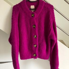 Rigtig flot pink cardigan fra H&M Trend.  60% uld  40% Alpaca