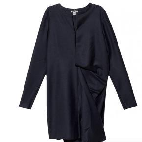 Sælger min Acne kjole. Aldrig brugt og stadig med prismærke. Nypris 2900 kr.  Kom med et bud :)
