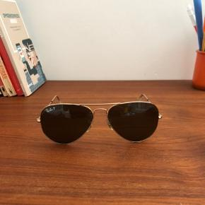 Ray Ban solbriller med polariseret glas. Etui medfølger. Nypris 1400kr