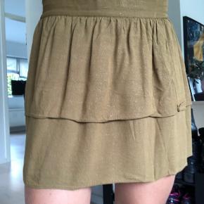 Sød lille grøn nederdel fra Second Female