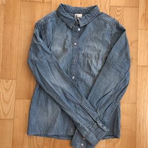 Cowboy skjorte  Afhentes 8000 Aarhus C  Eller sendes med Dao for 38kr.
