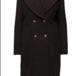 Jakke vinterjakke frakke Sort Oprindelig købspris: 2499 kr.  Bytter ikke og prisen er 500kr pp  Bredde:54 cm Længde:103 cm Ærme fra armhule :46 cm