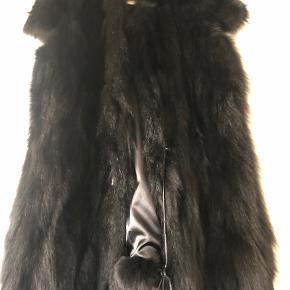 The Wardrobe pels- & skindjakke