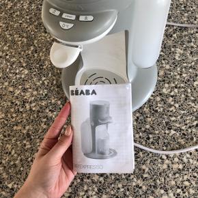 Modermælkserstatning maskine Laver hurtigt den bedste og rette temperatur til din modermælkserstatning. Flasker kan også neutralisere i maskine.