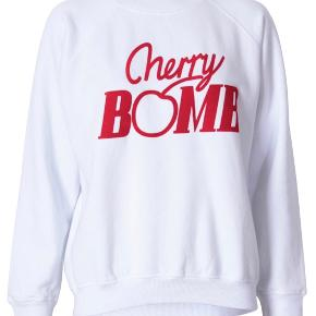 Sælger ganni sweatshirt str. Small   Np: 800 kr.   Kom gerne med BUD!