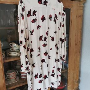 Dejlig løs kjole fra Ganni 💕
