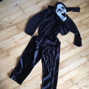 Halloween tøj i sort med maske 4 år   Kostume udklædning halloween temafest Sender gerne